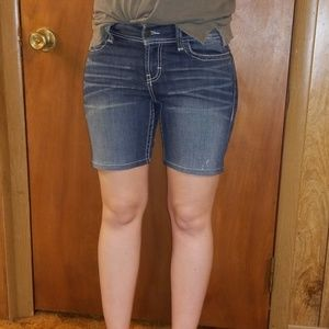 BKE Shorts - BKE Denim Dakota Size 27 Mid Rise Curvy Fit